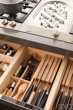 20 Ideas for Your Next Kitchen Renovation Knife storage Backsplash windows Electric outlets