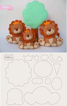 Aprende cómo coser un muñeco de león en fieltro paso a paso ~ Haz Manualidades Felt Animal Patterns, Felt Crafts Patterns, Stuffed Animal Patterns, Sewing Toys, Sewing Crafts, Sewing Projects, Felt Templates, Felt Dolls, Sock Dolls