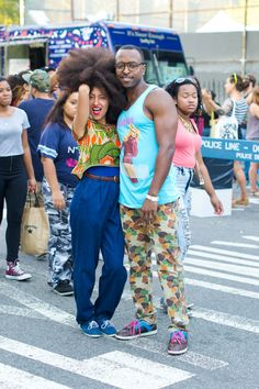 Big afro - Afro, Frizzy, Curly hair and big wig - Punk Big Afro, Curly Afro, Afro Hair, Cabello Afro Natural, Afro Punk Fashion, Curly Hair Types, Stylish Couple, Natural Hair Inspiration, Style Inspiration