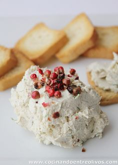 Paté de pollo con queso y nueces. Cheese Appetizers, Appetizer Dips, Tapas, Cooking Time, Cooking Recipes, Mousse, Homemade Seasonings, Antipasto, I Foods