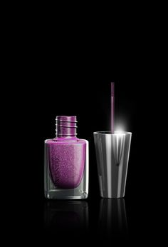 Discover our nail polish range FERRIÉ MAKE UP PARIS LED with integrated light and punchy colors, for a perfect manicure in all circumstances. Us Nails, Manicure, Give It To Me, Perfume Bottles, Nail Polish, Diva, Wonderland, Glitter, Money