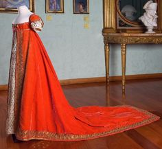 Court dress belonged to Julie Clary, Queen of Naples1808