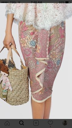 Model Rok Kebaya, Model Kebaya Modern, Kebaya Lace, Batik Kebaya, Blouse Batik, Batik Dress, Dress Batik Kombinasi, Adele Dress, Dress Brokat