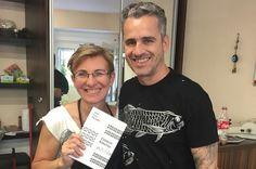 Bratislavská kaderníčka ostrihala slávneho spisovateľa a ten jej zaplatil svojou knihou - Paix1