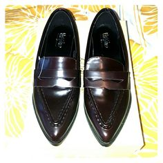 """Mossimo """"Holly"""" loafers - size 6 - NWT Super chic burgundy loafers - classic shoe but the pointed toe makes them so modern - pair with slim jeans/pants & a fitted button up for a preppy look! These are brand new & this color is sold out! Featuring a rubber sole with a short block heel, a polished faux leather exterior, pointed toe, slip on design and a decorative band across the instep. Mossimo Supply Co Shoes Flats & Loafers"""