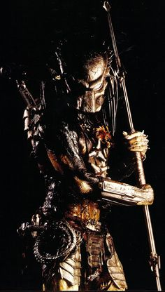 Production Stills - AvPGalaxy's Gallery Predator Comics, Wolf Predator, Predator Movie, Alien Vs Predator, Orc Armor, Predator Tattoo, Ghost Rider Wallpaper, Girl Iphone Wallpaper, Kratos God Of War