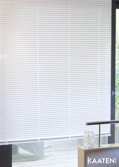 Las #venecianas Kaaten ® te permitirán regular la entrada de los rayos del sol y mantener la temperatura de tu casa. Viste tus #ventanas en www.kaaten.com.