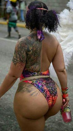 Nude little girl no panties