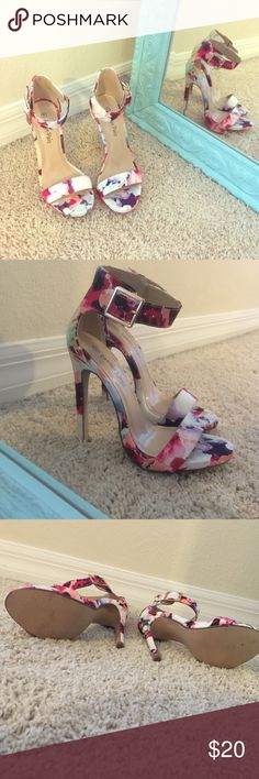 Floral heels Love these Soo much big they fit me a little too big. Would fit a 5.5 perfect! Shoes Heels
