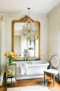 Vestir las paredes con espejos Bad Inspiration, Bathroom Inspiration, Style At Home, Home Interior, Bathroom Interior, Modern Bathroom, French Bathroom, Classic Bathroom, Interior Ideas