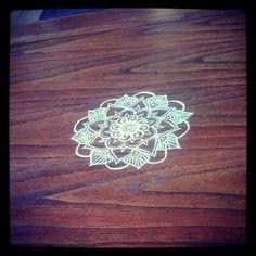 Mandala diy white table mahogny paint