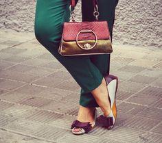 Pants with Side #Stripes @esenciacaramelo #shoes  @Coccinelle1978 purse