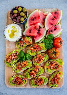 Bruschetta med avokado - ZEINAS KITCHEN