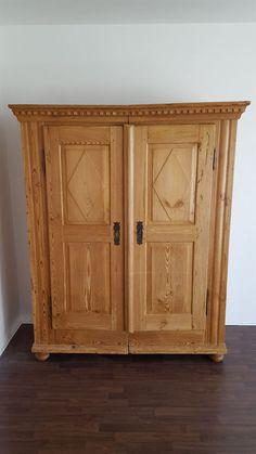antiker keilschrank kleiderschrank weichholz dielenschrank antiquitten kunst mobiliar interieur schrnke - Schmaler Kleiderschrank