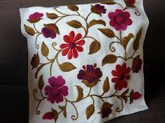 almohadones bordados mariana - Buscar con Google Mexican Embroidery, Crewel Embroidery, Hand Embroidery Patterns, Cross Stitch Patterns, Embroidery Designs, Crochet Mandala, Bead Crochet, Needlepoint Stitches, Needlework