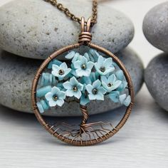 Looking for the best & top rated Tree-Of-Life Necklace Copper Jewelry, Clay Jewelry, Jewelry Crafts, Beaded Jewelry, Handmade Jewelry, Copper Wire, Gold Jewellery, Jewlery, Family Tree Necklace