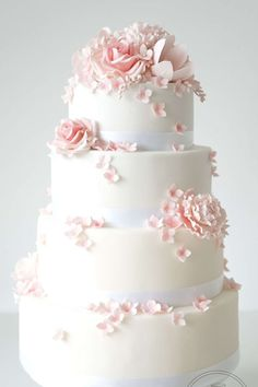 Pink Floral Wedding Cake - Susucre PRODUCT PHOTO CAPTION - 9