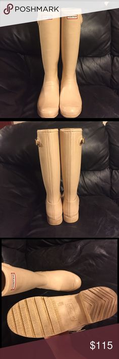 Rare biscuit color hunter rain boots Authentic hunter rain boots! Worn less than five times, still in great shape. These boots come from a smoke free house and match with everything! I'm wanting to try a new color. I'm open for trading with black hunter rain boots. Hunter Boots Shoes Winter & Rain Boots