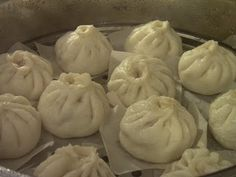 I personally find that bao making is very challenging eventhough I& been making it so frequently. Though, it& just a simple white steamed. Steamed Meat, Steamed Pork Buns, Steamed Dumplings, Steamed Cake, Dumpling Recipe, Chinese Dumplings, Baozi Recipe, Siopao Recipe, Steam Buns Recipe
