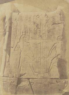 1849-1850 - Thèbes : sculpture du trône du colosse d'Aménophis, Gournah. Photographe : Maxime Du Camp