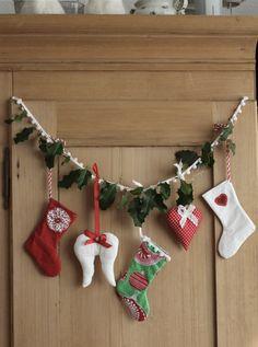 Diy Christmas Bunting, Christmas Stockings, Christmas Diy, Xmas, Christmas Ornaments, Diy Weihnachten, Holiday Decor, Advent, Decoration