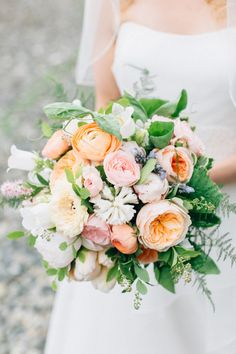 View entire slideshow: 100 Bouquets that are Take-Your-Breath-Away Beautiful on http://www.stylemepretty.com/collection/2430/