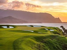 If you're travelling with golf gear, this beats any ol' welcome sign.  Flights descending into Lihue Airport on the Hawaiian island of Kauai cruise over Kauai Lagoons Golf Club, showcasing the longest continuous stretch of oceanside holes — four straight stunners stretched across a half-mile of cliff-top scenery — anywhere in the Aloha State.