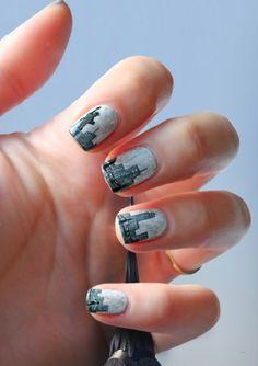NY cityscape nails -- gorg!