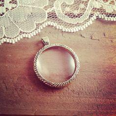 1 Pc Vintage Style Monocle  Magnifying Glass Pendant  Charm