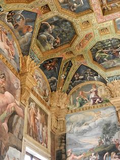 Palazzo Te- Chamber of Amor and Psyche frescoes by Guilio Romano - Mantua (Mantova) Italy