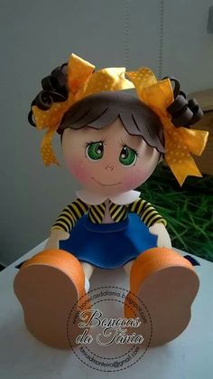 Clay Pot Crafts, Foam Crafts, Diy And Crafts, Crafts For Kids, Box Surprise, Doll Face Paint, Pony Bead Crafts, Pony Beads, Art Dolls