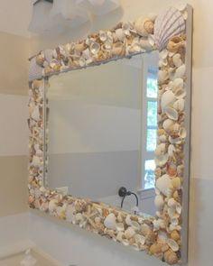 Espejo rectangular con caracoles y conchitas