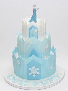 Torta di Frozen con decorazioni in pasta di zucchero n.16