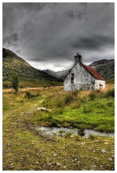 This is the Scotland that I know and grew in.  Lonely moors, crofters cottages, no running water, cooking on a old black stove.  Oh take me back to the Highlands of Scotland where the people are truly earthy.