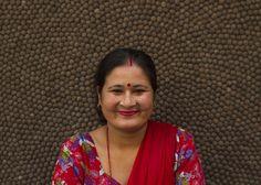 Introducing the team   Bij #Sukhi zijn we super blij en trots op ons team in #Nepal <3   We geven een eerlijk loon en goede werkomstandigheden.   Wij zijn super #blij (Sukhi) en daarom zetten we onze maaksters stuk voor stuk in het zonnetje <3 #trots   http://www.sukhi.nl/ons-team-in-nepal