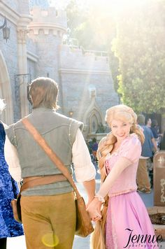 How adorable is this?!   Rapunzel and Flynn (by Jennie Park Photography)