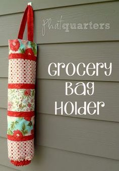 Easy DIY sewing project. This would be perfect sewing pattern for a beginner. And a cute way to organize all those grocery bags too!