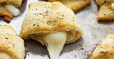 Recept na lehké sýrovo-česnekové croissanty