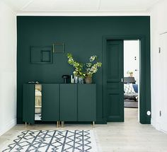Home Sweet Home: with Ikea Ivar pedestals – decor Dark Green Living Room, Green Rooms, New Living Room, Living Room Decor, Green Walls, Green Painted Walls, Door Design Interior, Interior Paint, Interior Decorating