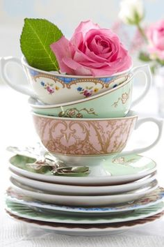 This is a gorgeous tea cup set. I want!!! Bridal Shower Gift - for her new home