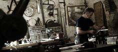 ARTS & CRAFTS PARIS PASS : tour artists' studios or take workshops.