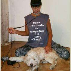 """#AnaLauraRibas Ana Laura Ribas: """"Sono l'animale da compagnia del mio cane"""" Io che lo amo più di ogni cosa al mondo da quasi 19 anni lo rispetto, e lo accudire fino al suo ultimo respiro... #gogólove #dogs #tshirt @notsnob59 #ribashappy #ribasfurba #savethedogs #instadogs"""