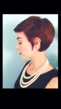 I kind of want to get my hair done like this.
