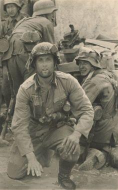 world war German Soldiers Ww2, German Army, Battle Of Stalingrad, German Uniforms, Military Uniforms, Germany Ww2, Vietnam War Photos, Ww2 Photos, Panzer