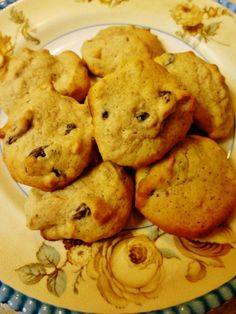 Plate of applesauce cookies Hand-written, delicious cookie recipe dating back to my Grandma's time (the early Best Homemade Cookie Recipe, Delicious Cookie Recipes, Homemade Cookies, Yummy Cookies, Dessert Recipes, Bar Cookies, Candy Recipes, Dessert Ideas, Chip Cookies