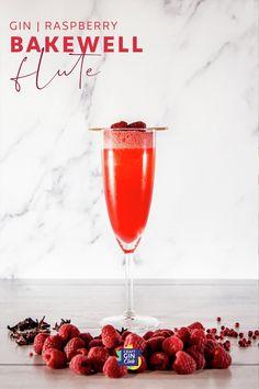 raspberry cherry bakewell recipe | raspberry gin cocktail | pink gin cocktail | prosecco gin cocktail recipe | summer gin drinks | flute Raspberry Gin Cocktail, Orange Juice Cocktails, Gin And Prosecco, Prosecco Cocktails, Martinis, Mojito, Gin Cocktail Recipes, Vodka Recipes, Wine Pairings