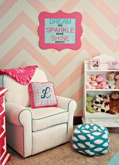 Little girl's room!   ♥ the chevron wall.