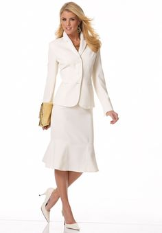 Classy photos of well dressed women. Business Professional Attire, Professional Wardrobe, Business Outfits, Office Outfits For Ladies, Sunday Outfits, Office Ladies, Fashion Wear, Modest Fashion, Womens Fashion