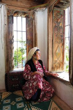 Comak mountain home & woman - Turkey