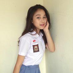 Girl in Uniform 😘 High School Girls, College Girls, Beautiful Hijab, Beautiful Models, Filipina Beauty, Indonesian Girls, Girls Uniforms, Muslim Girls, Girl Face